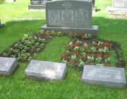 New Light Cemetery gravesites for Lang and Roth