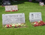 New Light Cemetery gravesites for Prauer and Snyder